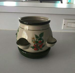 Small ceramic kitchen herbs pot size 6 inches high for Sale in Orlando, FL
