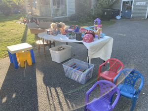 FREE toys at 72 High St, Wilmington for Sale in Wilmington, MA