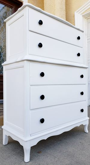 Absolutely BEAUTIFUL White Shabby Chic 5 Drawers Drawer Dresser Clothes Storage Stand Unit Cabinet Organizer Console Chest for Sale in Monterey Park, CA