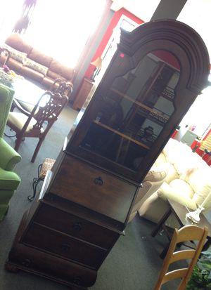 Beautiful secretary desk with hutch for Sale in Modesto, CA