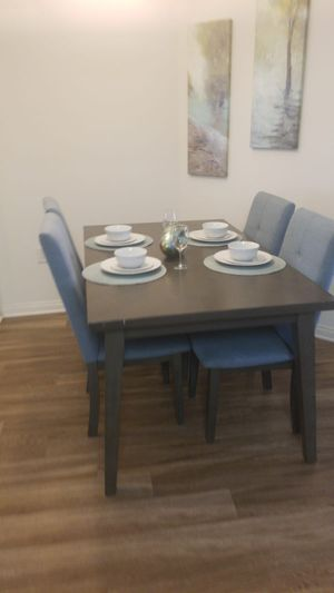 Modern dining table for Sale in Los Angeles, CA