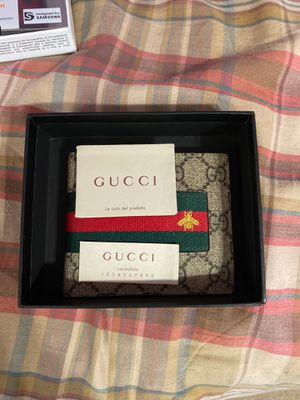 Gucci wallet for Sale in Thonotosassa, FL