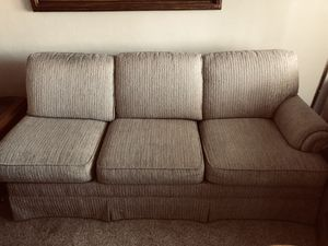 Couch for Sale in San Leandro, CA