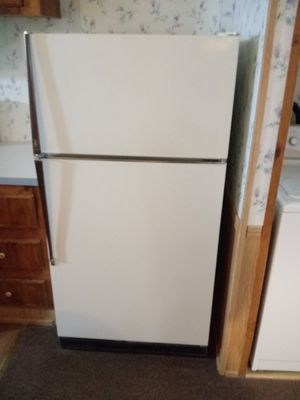 Coldspot refrigerator used but working asking. 75.00 for Sale in South Bend, IN