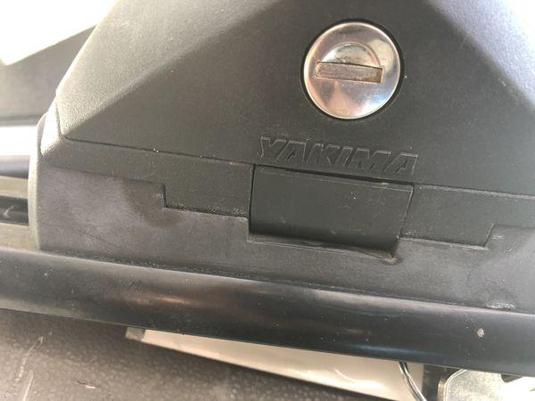 Universal Yakima roof rack bike rack