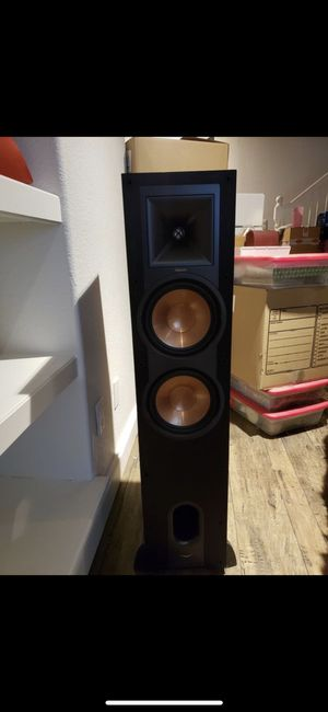 Klipsch reference R-28F pair two speakers for Sale in Denver, CO