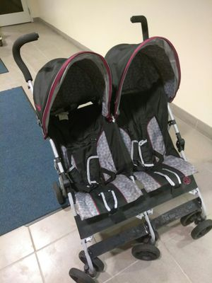Jeep brand double stroller for Sale in New York, NY