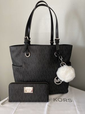 Michael Kors tote bag with matching wallet for Sale in Garden Grove, CA