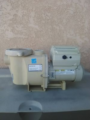 Pentair Intelliflo Pool Pump 3HP ( Installation Included) for Sale in Hesperia, CA