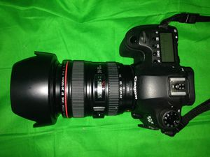 Canon EOS 6D DSLR Camera with 24-105mm f/4L Lens for Sale in Springfield, VA