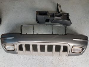 Jeep grand cherokee overland parts for sale must sell front bumper, Taillights and center console for Sale in Davenport, FL