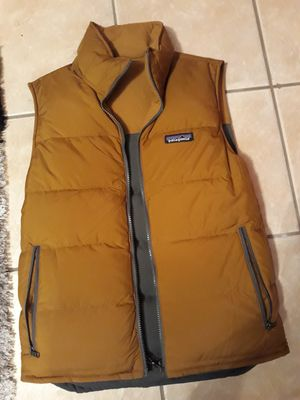 Men Patagonia reversible vest size S new for Sale in Palos Hills, IL