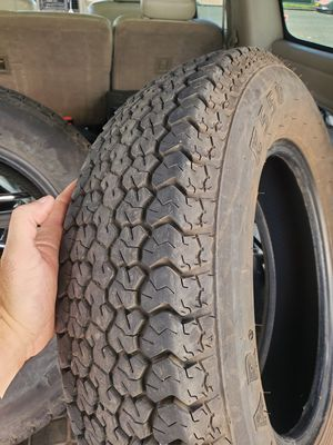 Load star trailer tire st 205 75 D15 for Sale in Amity Harbor, NY