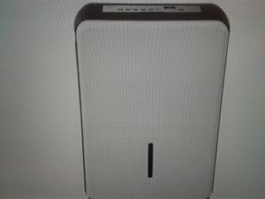 Midea 70 pint dehumidifier white open box new. for Sale in Columbus, OH
