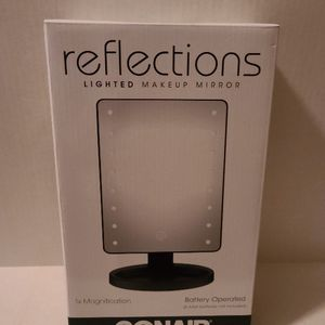 Conair Reflections LED Makeup Mirror for Sale in Shreveport, LA