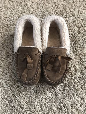 Girls size 5 shoes for Sale in Lacon, IL