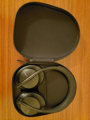Bose 700 Noise Canceling Headphones for Sale in Renton, WA