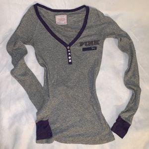 University of Washington Pink VS long sleeve shirt for Sale in Tacoma, WA
