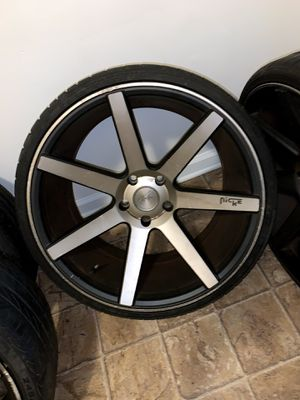 20 inch niche rims needs tires slightbend in one rim $350 obo or trade for Sale in Charlotte, NC