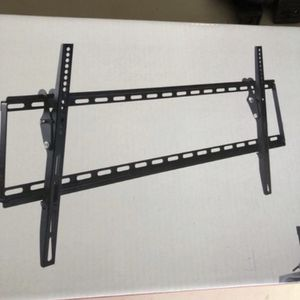 "Tilt Tv Wall Mount 32-70"" for Sale in Woodburn, OR"