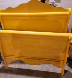 Yellow Twin Size Bed With Rails And Twin Mattress for Sale in Port Richey,  FL