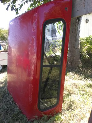 Truck Camper Shell , no cracks needs back window, it has one but does not fit in place all windows r good for Sale in San Antonio, TX