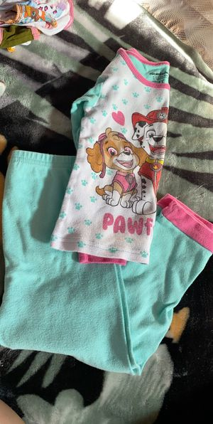 Girl clothes size 4T pajamas for Sale in Roosevelt, CA