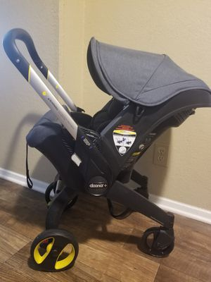 Doona stroller Convert to the car seat for Sale in Richardson, TX