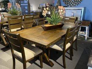 7PC Dining table and 6 chairs for Sale in Glendale, AZ