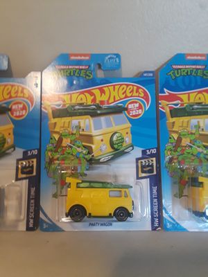 Hot wheels tmnt party wagon (Hollywood screen time) for Sale in Los Angeles, CA