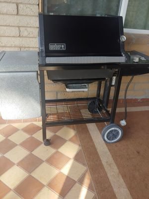 Bbq grill& Weber silver for Sale in Glendale, AZ