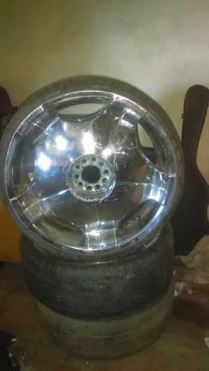 """I have all 4 22"""" rims and true rubber band tires for Sale in Stockton, CA"""
