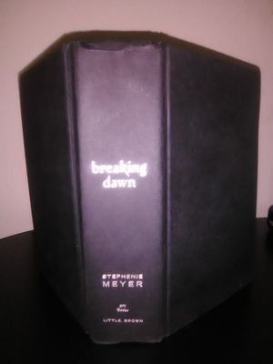 Twilight Breaking Dawn Hardcover for Sale in Cassville, MO