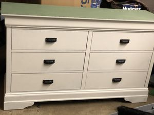 Dresser for Sale in Erie, PA