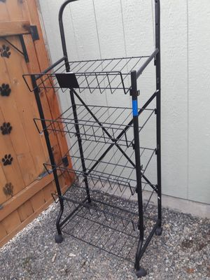 METAL SHELVES ON WHEELS * 5 SHELVES for Sale in Tacoma, WA