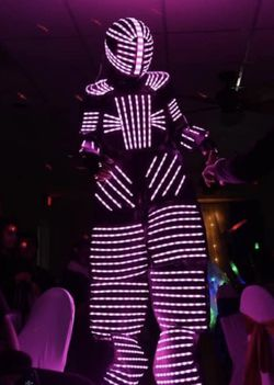 Led Robot for Sale... ( Hora Loca ) Quinseñera Wedding for Sale in Clermont,  FL