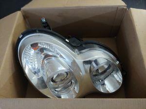 $25 RIGHT side headlight C230 SPORT for Sale in Boca Raton, FL