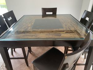 Dining table for Sale in Sunrise, FL