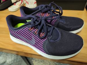 Nike running shoes women size 6 for Sale in West Covina, CA
