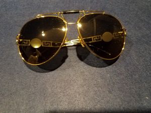 Authentic Versace aviator sunglasses for Sale in Reynoldsburg, OH
