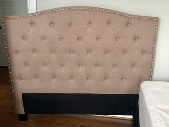 Queen Size Headboard for Sale in Clarksburg,  MD