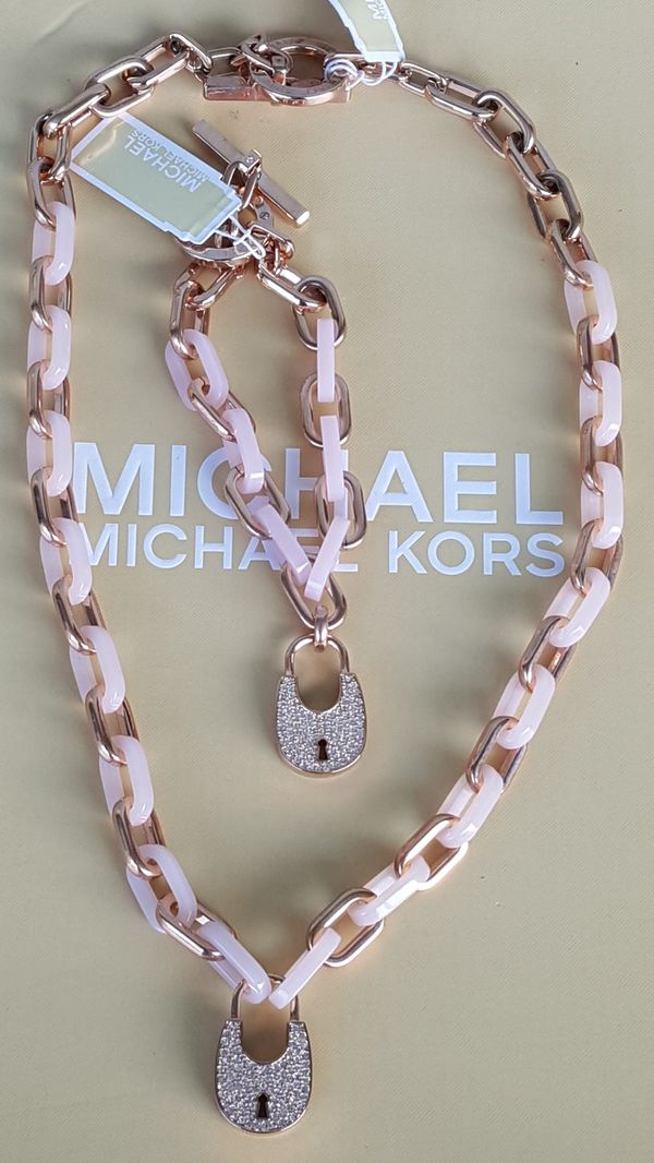New Authentic Michael Kors Women's Baby Pink With Rosegold Necklace and Bracelet Set 🎁❤🎁❤