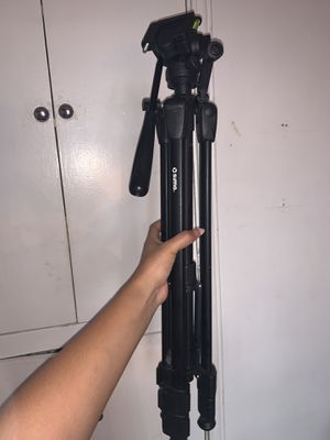 Tripod for camera or camera for Sale in Huntington Park, CA