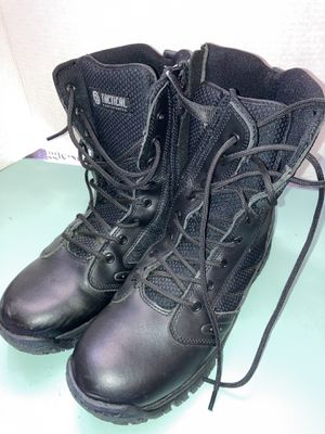Tactical steel toe boots size (9) for Sale in Irving, TX