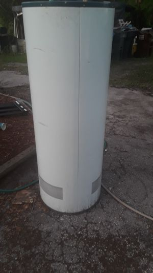 Water heater for Sale in Lutz, FL