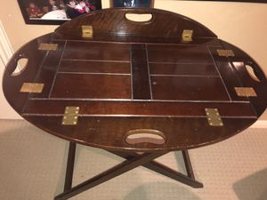 Hinged medium sized Butlers Tray Table for Sale in Houston, TX
