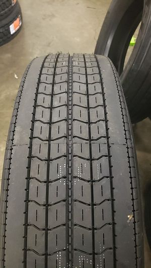 Goodyear Marathon trailer tires 295/75/22.5 for Sale in Addison, IL