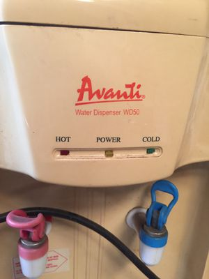 Avanti WD50 water dispenser (hot and cold) for Sale in Orlando, FL