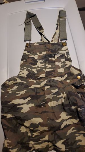 Brand new over all Army fatigue skirt for Sale in Philadelphia, PA