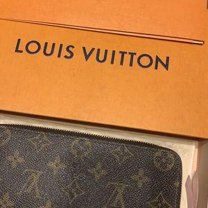 Louis Vuitton Clemence Wallet Monogram for Sale in Santa Monica, CA